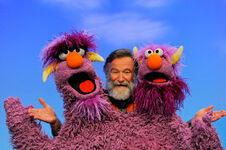 Robin Williams s42 THM pose