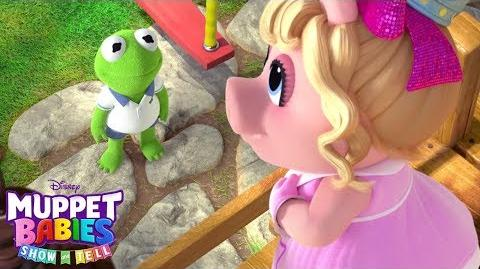 Kermit and Piggy Show and Tell