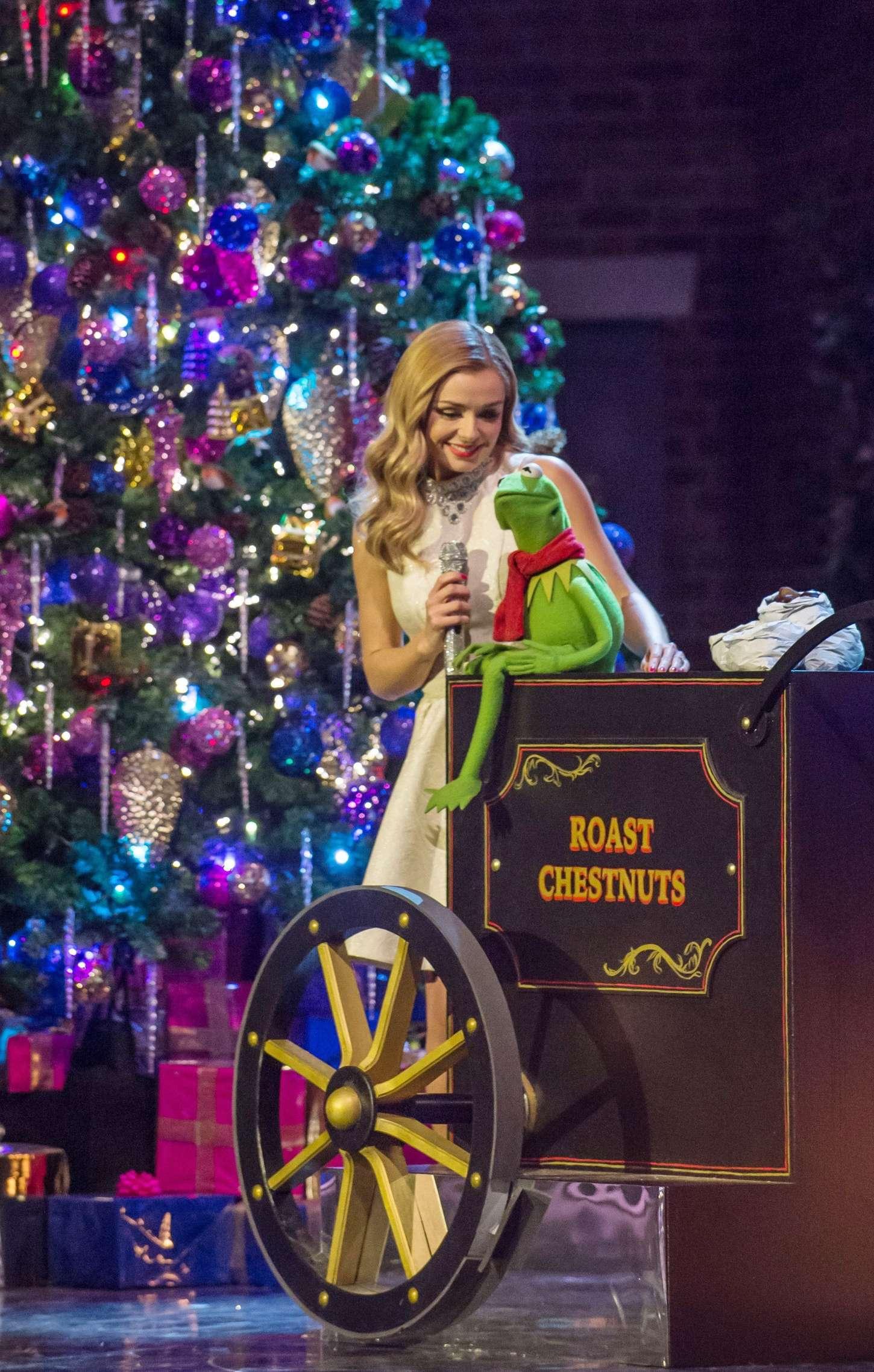 A Christmas Cracker | Muppet Wiki | FANDOM powered by Wikia