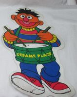 Three-sesame-place-amusement-park-felt-pennant-cut-out-18-bert-ernie-big-bird-2