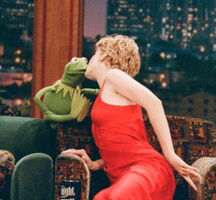 Kiss Jenna Elfman and Kermit