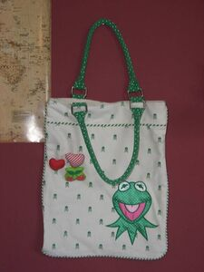 Kitson-LA-Muppets-KermitBag-front