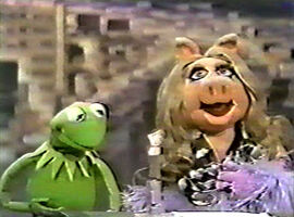Kermit Piggy engaged Tonight Show 1979