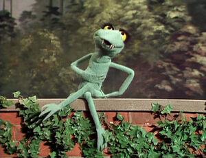 Lenny the Lizard tms204