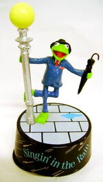 Presents 1990 music box kermit singin in the rain 2