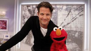TheNateBerkusShow-Elmo-(2011-12-16)
