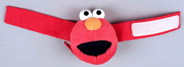 File:Roma kids 1995 elmo wrist bag.jpg
