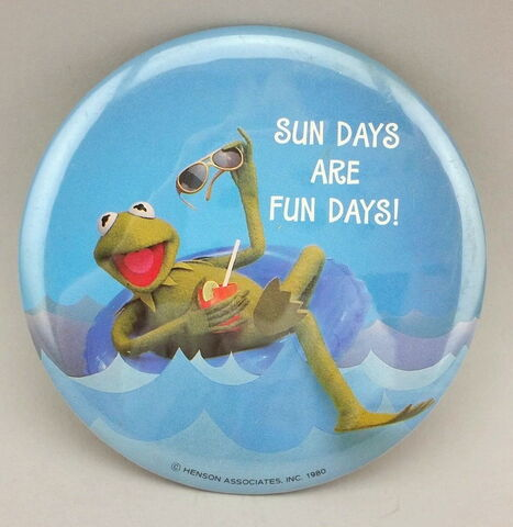 File:Sundays button.jpg
