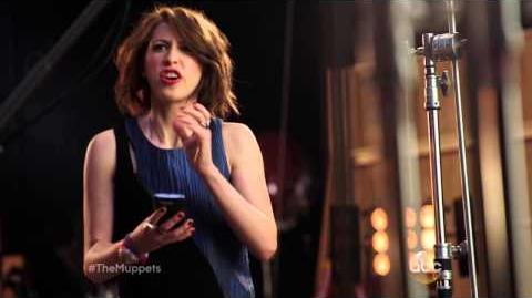 The Muppets Promo Eden Sher of The Middle Ruined Miss Piggy Scene