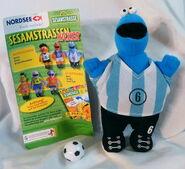 Nordsee 2006 sesamstrasse soccer toy 4