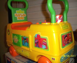 Playskool 1988 sesame street play n go rider 4