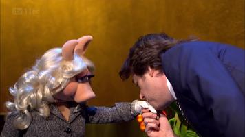 TheJonathanRossShow-Kiss-Piggy&JonathanRoss-(2012-01-25)