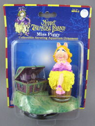 Muppet treasure island aquarium figure 1