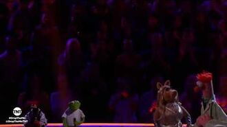 TNT Drop the Mic- Kermit the Frog and Pepé vs. Miss Piggy and Beaker - BATTLE --1