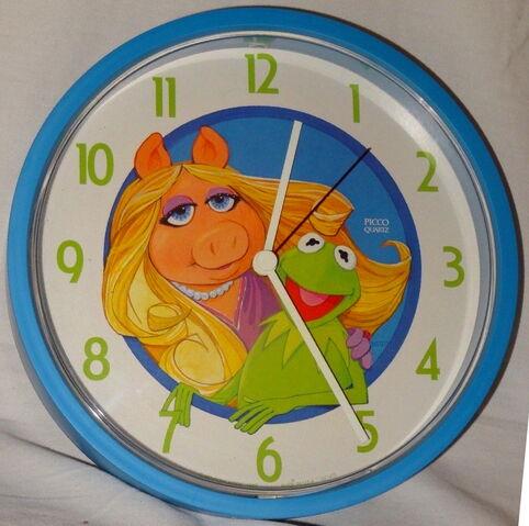 File:Picco 1980 clock kermit piggy.jpg
