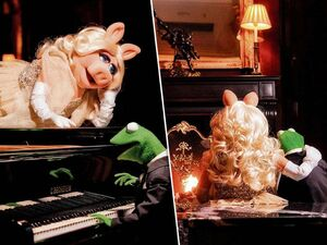 Germany-Berlin-Hotel-Ritz-Carlton-Kermit&Piggy-(2012-01)-01