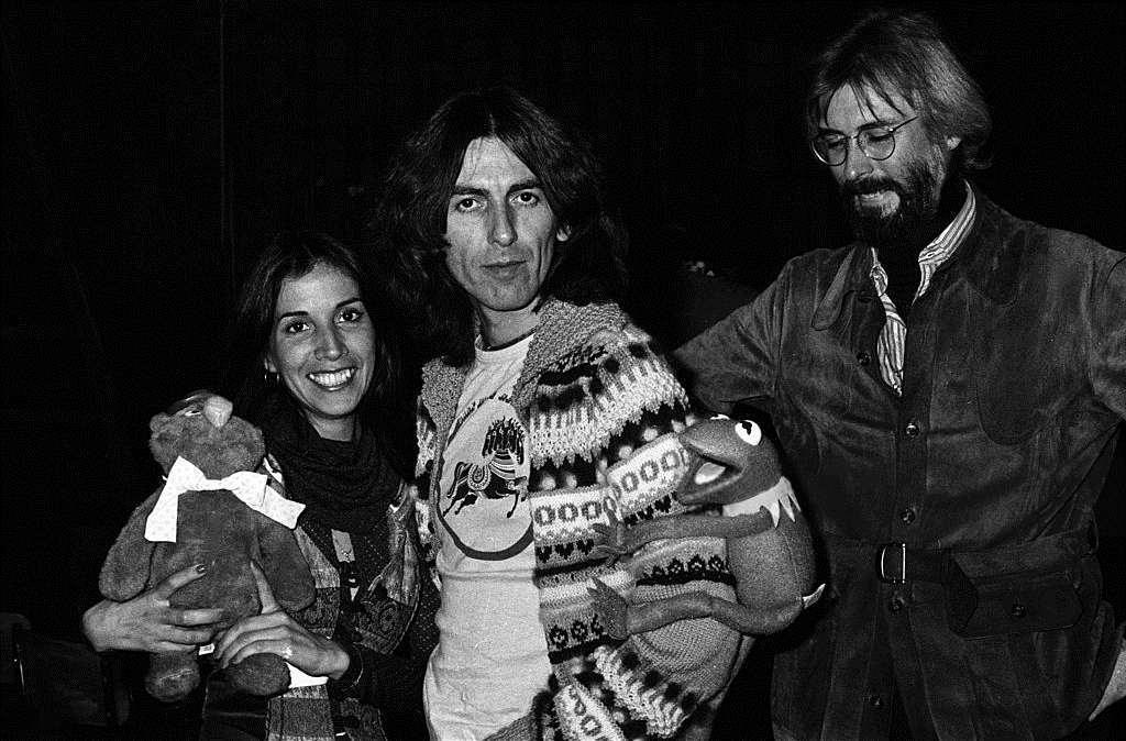 Olivia Trinidad Arias George Harrison And Michael Frith At Saturday Night Live Studios November 19 1976