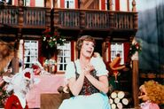 Julie Andrews02