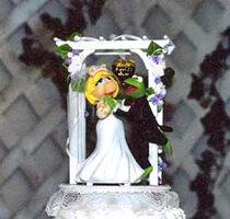 Muppet-Wedding-Cake-Topper