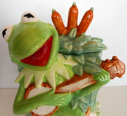 Pfaltzgraff treasure craft cookie jar kermit 3
