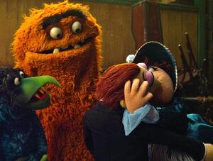 TheMuppets-(2011)-Wayne&Wanda-Kiss