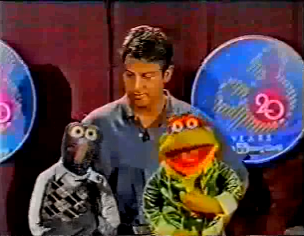 File:Gonzo-Scooter-Disney20.png
