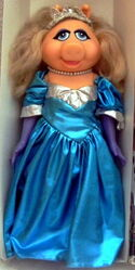 Direct connect 1989 miss piggy fantasy dress-up doll princess