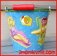 Schylling 1997 tin bucket 2
