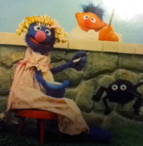 File:Grover in drag.JPG