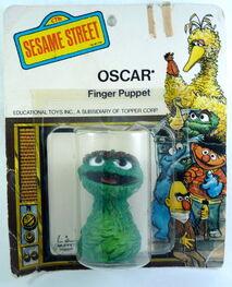 Topper 1971 oscar finger puppet b