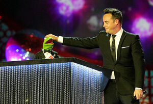 KermittheFrog-NationalTelevisionAwards-(2012.25.01)