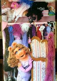 Scandecor 1981 piggy dressing room poster 3