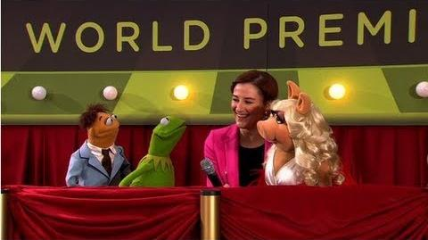 """Amy Adams and Jason Segel Join Kermit and a """"Diva"""" Miss Piggy at the Muppets Premiere!"""