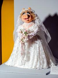 MOMI-wedding-piggy