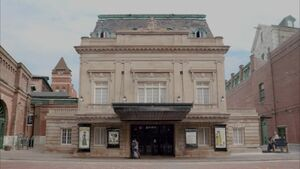 Body double grand theatre