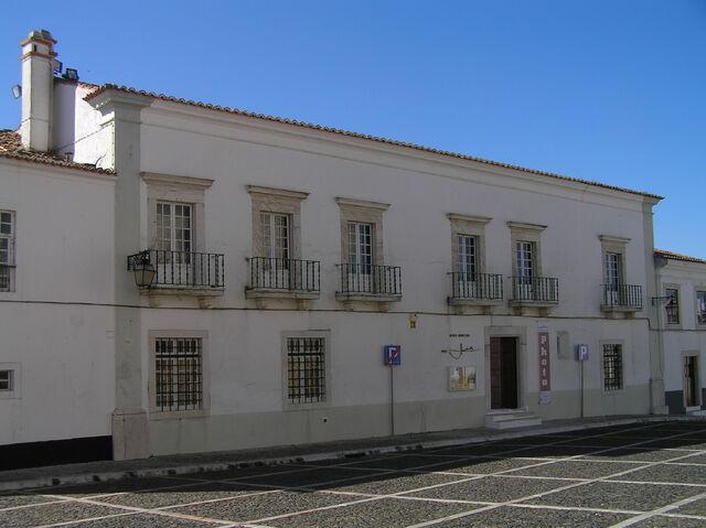 Ficheiro:Museu municipal de estremoz.JPG