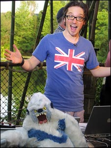 File:DJ Rick Adams - with The Yeti.jpg