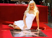 Full Christina Aguilera star 023 wenn5572335-500x364