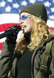 File:220px-Faith Hill.jpg