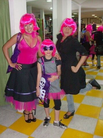 File:Brigitte Padilla Halloween Twins .jpg