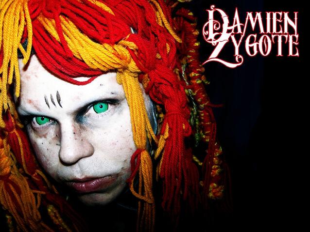 File:Damien-Zygote-Image-2010-Celebrity-Z1X.jpg