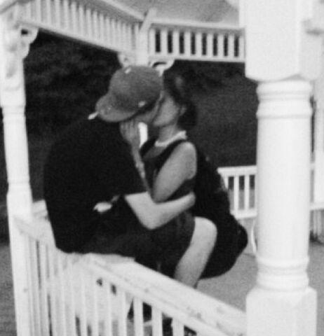 File:Ellington Ratliff And Brigitte Padilla Kiss.jpg