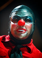 170px-Shawn Crahan at Allstate Arena 2009