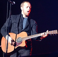 File:Chris Martin acoustic.jpg