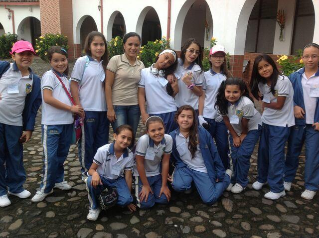 File:Brigitte Padilla With Her Favorite Girls Group .jpg
