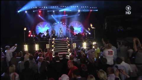 Marco Huck & Sera Lee - Unstoppable Live bei ARD Box WM vs. Garay 16.07.2011-3