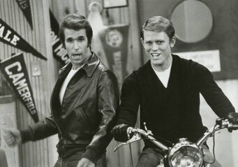 Happy days motorcycle richie fonzie 1977