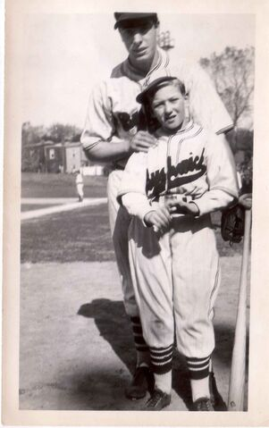 File:Charlie Hyman & Joe DiMaggio, Bushwicks' uniform, 1936.jpg