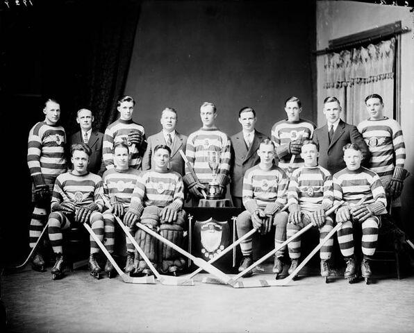 File:Canadian National Railway Hockey Club 1929.jpg