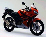 2006 Honda CBR125R 4